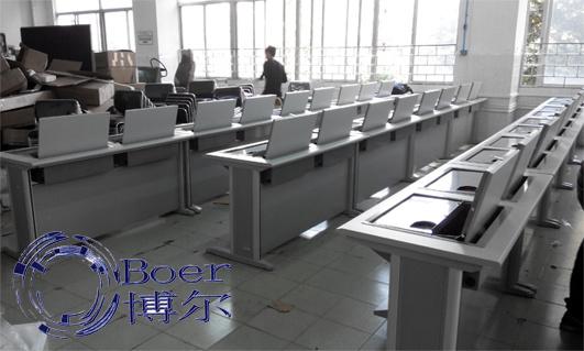 学生翻转电脑桌、广州博奥(在线咨询)、哈尔滨翻转电脑桌