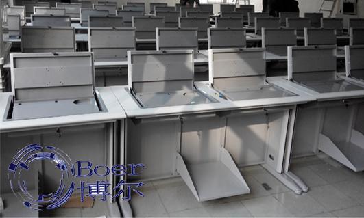 翻板式学生电脑桌、河北学生电脑桌、广州博奥