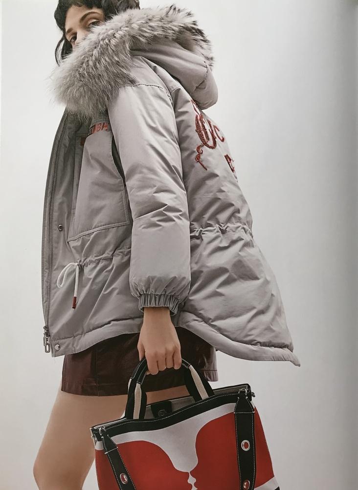 女装折扣批发市场 冬季羽绒服 广州品牌女装货源批发