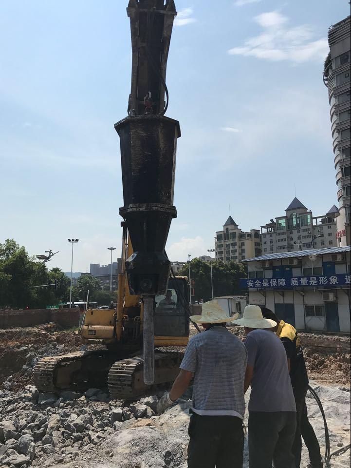 开山机修高速采石头施工方案