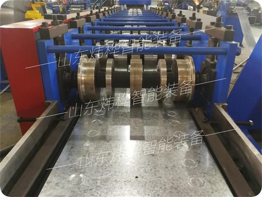 折弯机配电箱(图)、动力箱自动成型折弯机、随州市成型