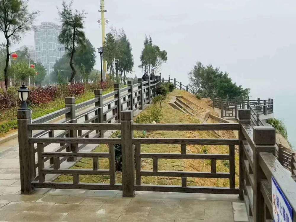 1.8米仿木护栏8柱护栏窗棂护栏方格护栏格子护栏