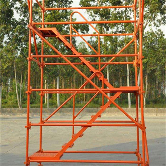 香蕉式安全爬梯|通达粮机(在线咨询)|阳泉市安全爬梯