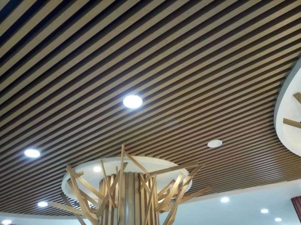 朝阳区生态木天花、临沂鸿源装饰建材、生态木天花吊顶 白色