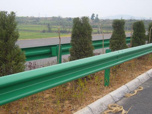 张家界高速公路护栏板新价格