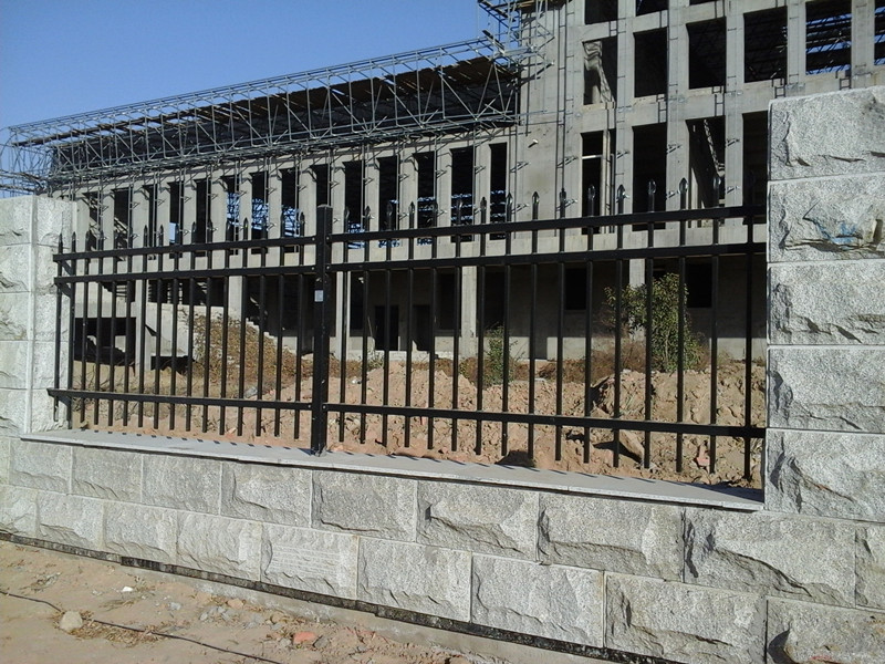 三门峡小区围墙厂房围墙学校围墙护栏网厂家