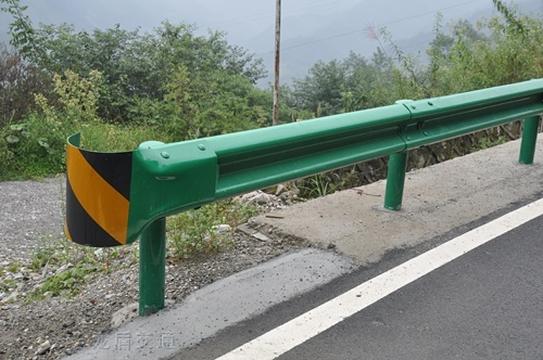 江西高速波形护栏乡村公路防撞护栏板厂家