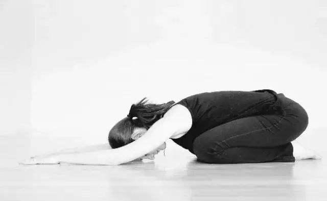 日常生活中肩膀酸痛手腕无力,该如何锻炼