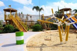 大理【现货批发】攀爬网 塑料儿童组合滑梯 悬空拓展训练