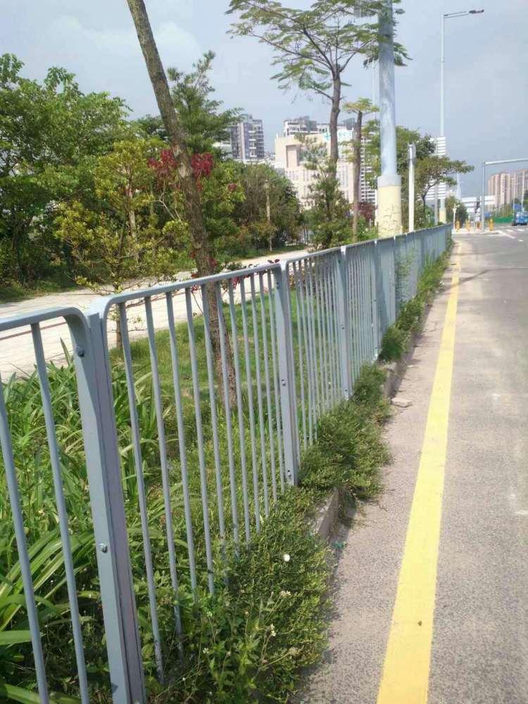 中山市护栏、交通护栏厂家、京式护栏批发价格、路侧防护栏