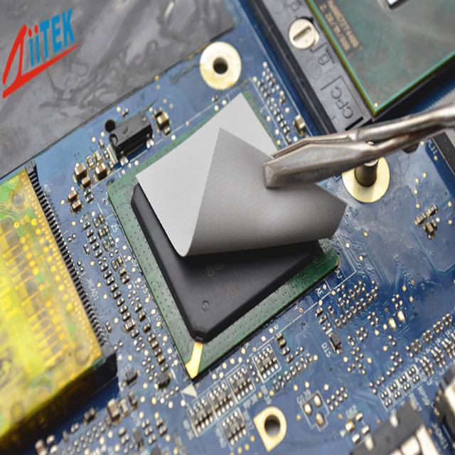 绝缘导热矽胶布在电源模块上的散热应用案例
