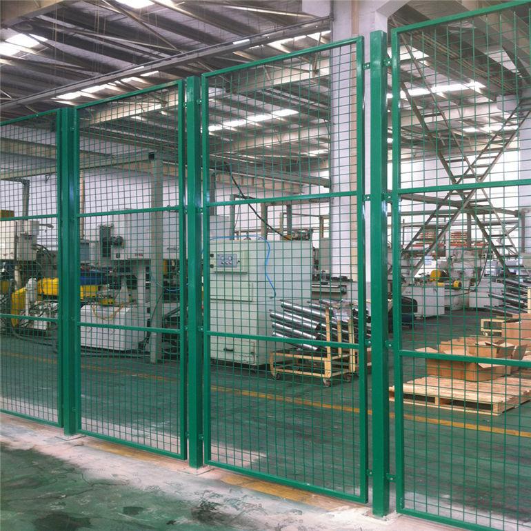 浸塑工厂护栏网现货厂家直销 低价处理工厂车间隔离网