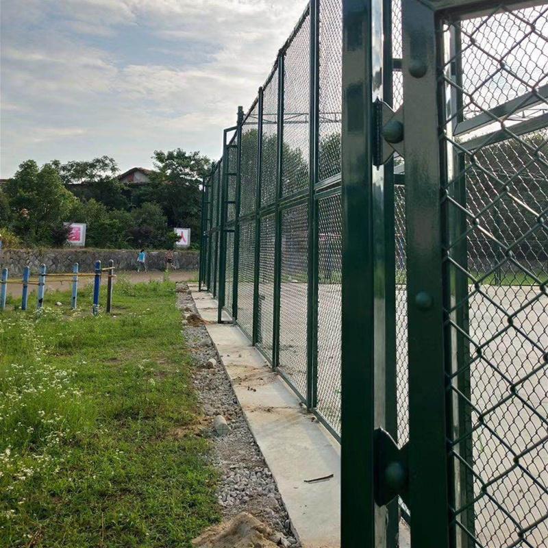 學校體育場圍網片、安平旺豐絲網公司、荊州市體育場圍網