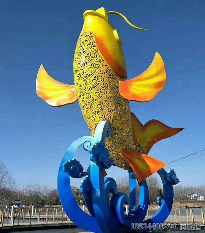 九江大型不锈钢鲤鱼雕塑喷漆 景观灯雕塑设备工厂