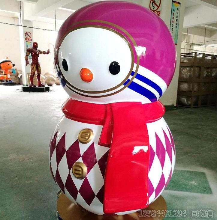 荆州节庆美陈玻璃钢雪人雕塑 不倒翁公仔雪人抽象雕塑