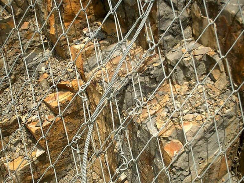 建泰丝网(图)、单项边坡防护网、桂林市边坡防护网