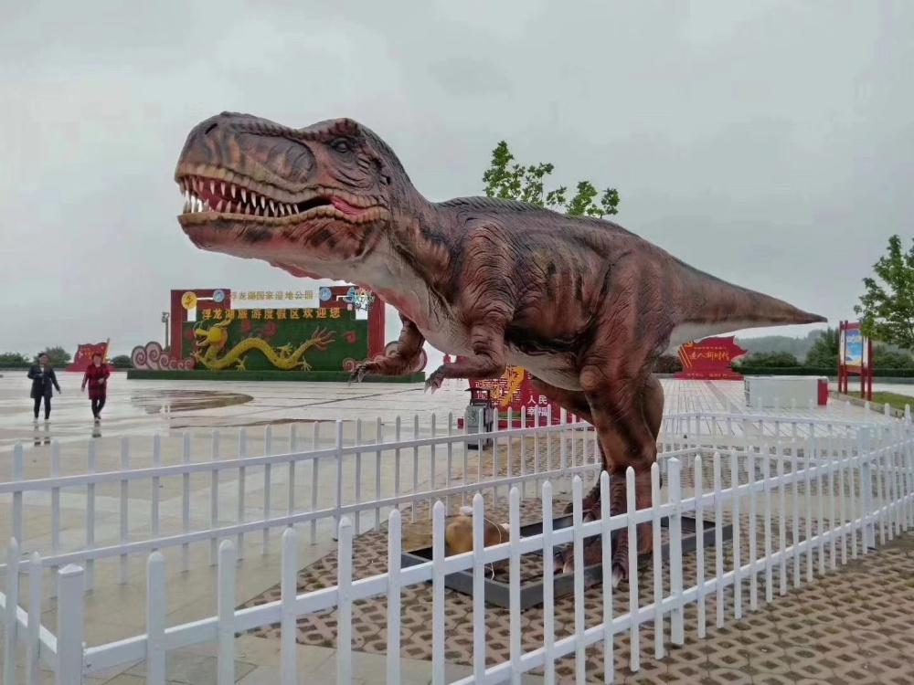 膺枫 ——恐龙、军事、雨屋、灯光节。等暖场道具租赁