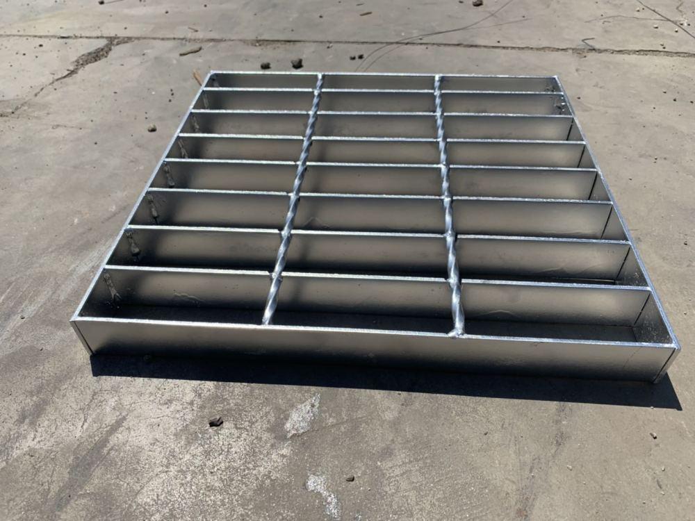 厂家直销 热镀锌钢格板 沟盖板 钢梯踏步板 规格齐全