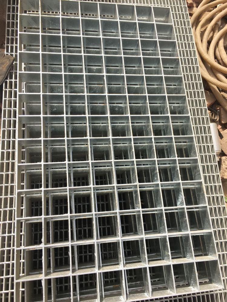 热镀锌钢格板、平台钢格栅板(在线咨询)、咸宁市钢格板