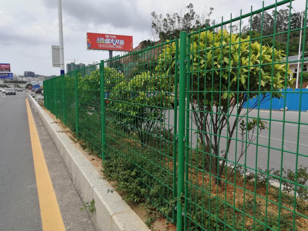 清远绿化带隔离栏现货供应 佛山道路护栏网厂家
