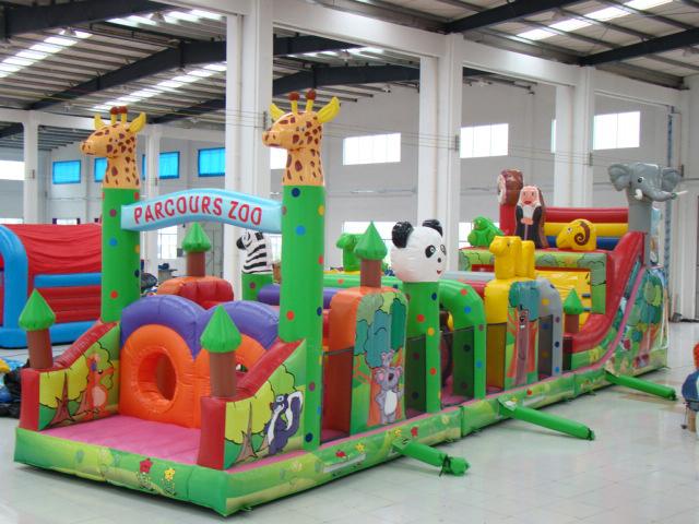 广州市飞鱼游乐设备厂、城堡跳床充气游乐设备、四平充气游乐设备
