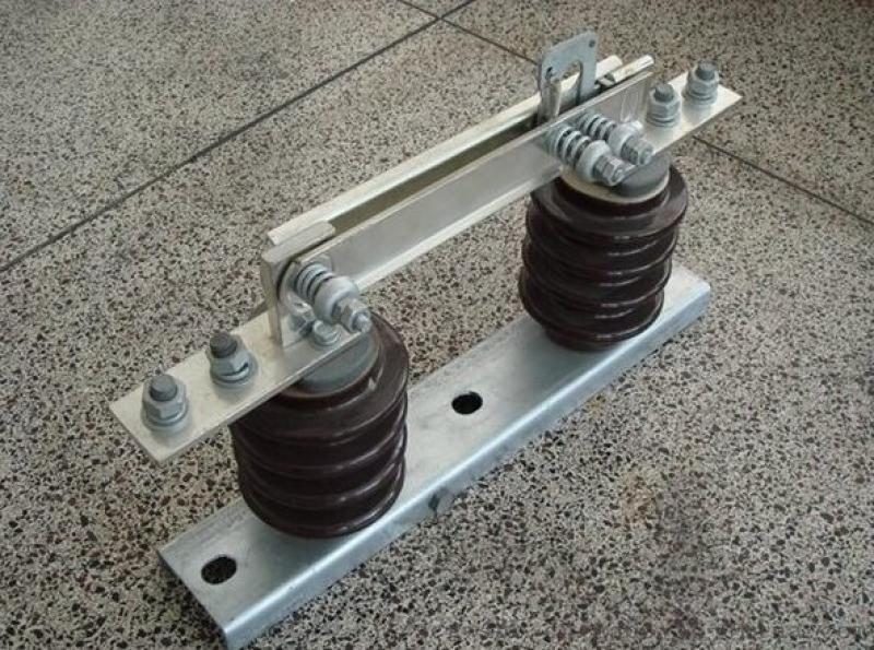 线路型GW9-12隔离刀闸带接地保护10KV型