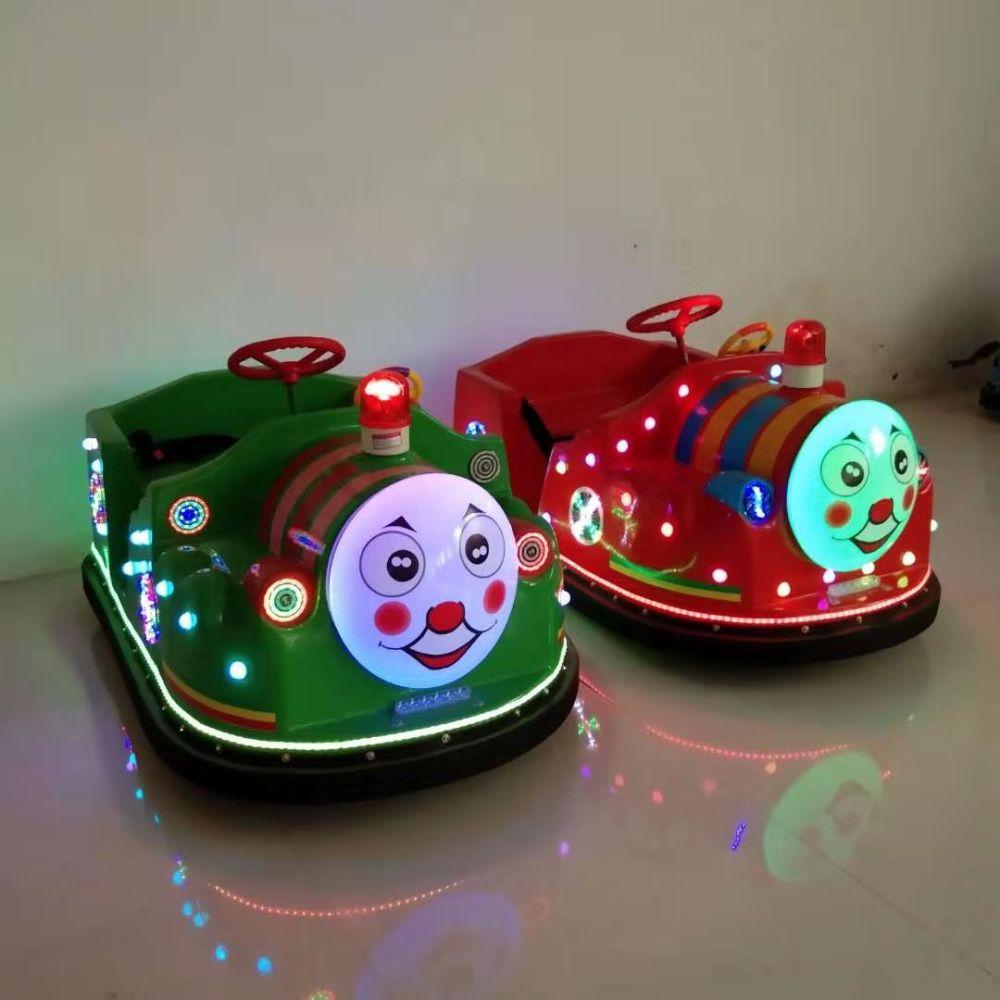 广场新款托马斯小火车儿童碰碰车双人户外发光游乐设备玩具电动车