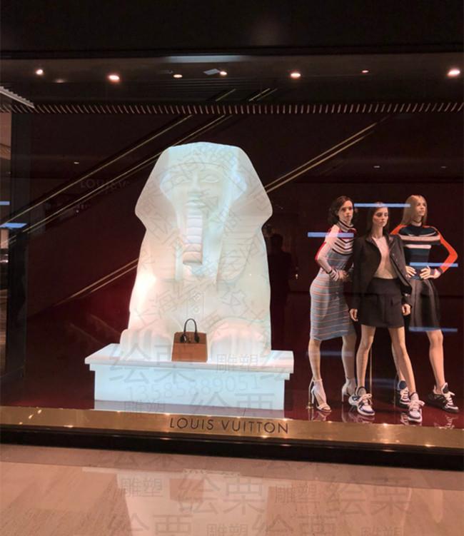 抚顺商场橱窗展示 透光树脂人物雕塑艺术