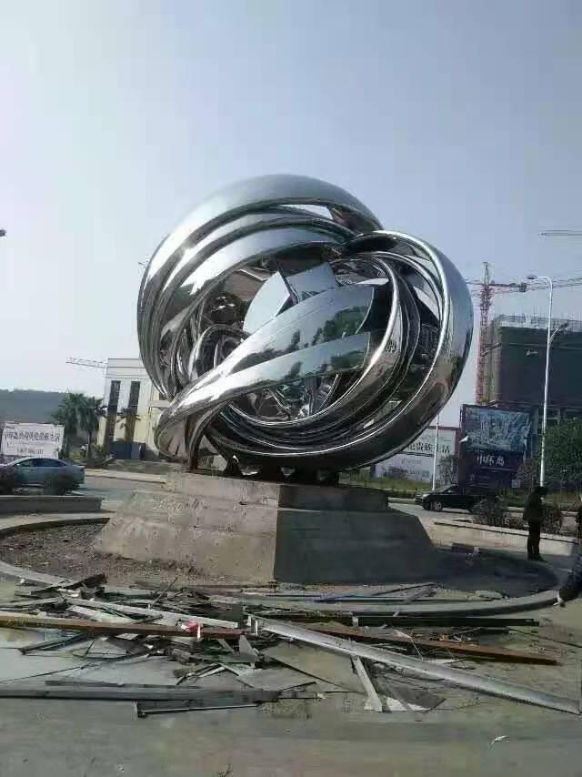 三亚不锈钢广场工程 不规则缠绕球雕塑定制